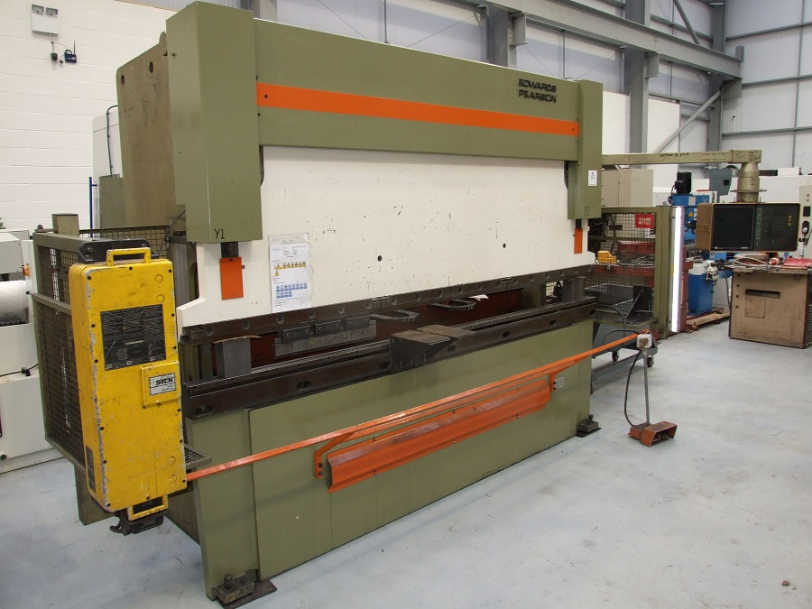 EDWARDS PEARSON 100 ton x 3m CNC press brake